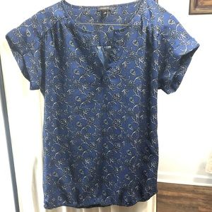 Ann Taylor XS Like New Floral Blouse